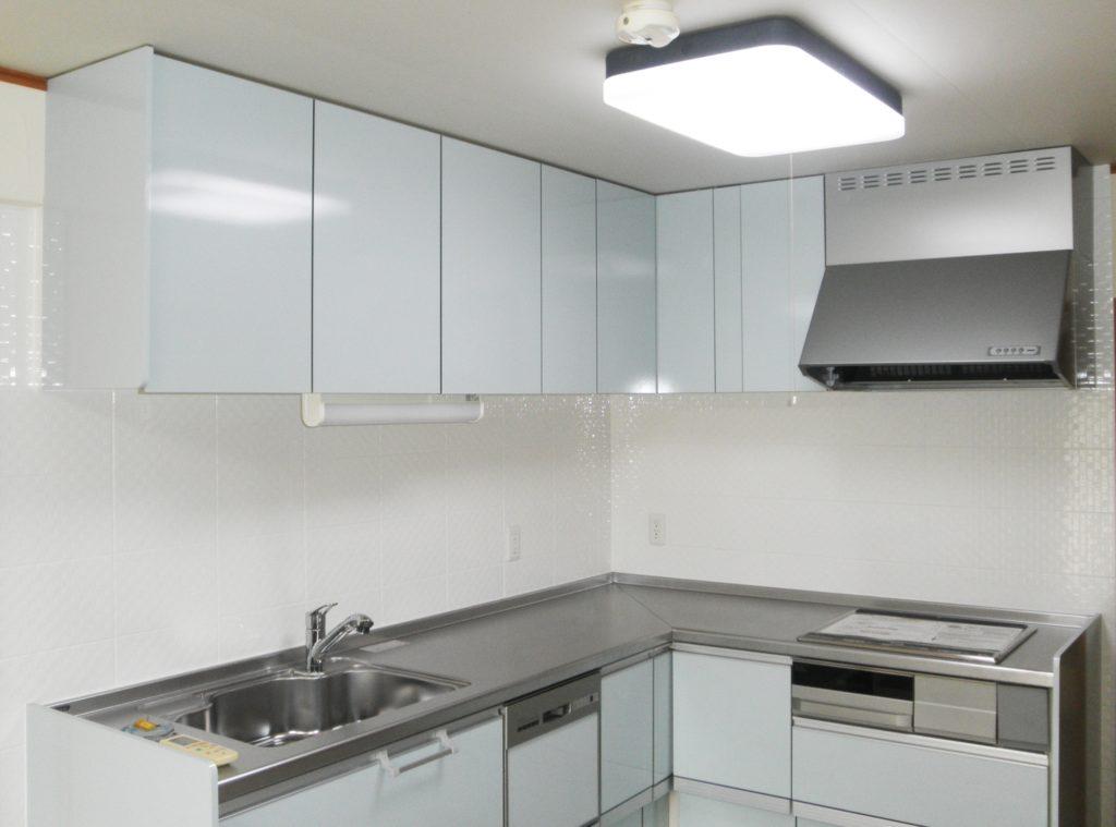 「システムキッチンの作業スペースの確保」
